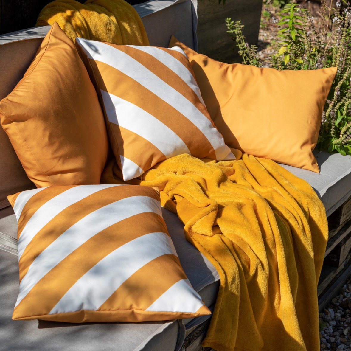 SANZENO - Kussenhoes outdoor Golden Glow 45x45 cm
