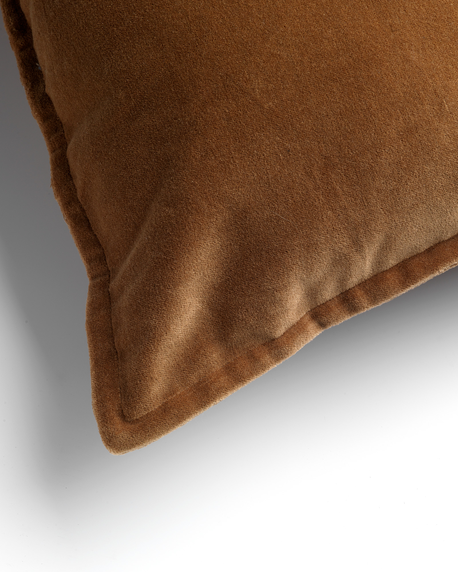 CAITH - Sierkussen velvet Tobacco Brown 50x50 cm