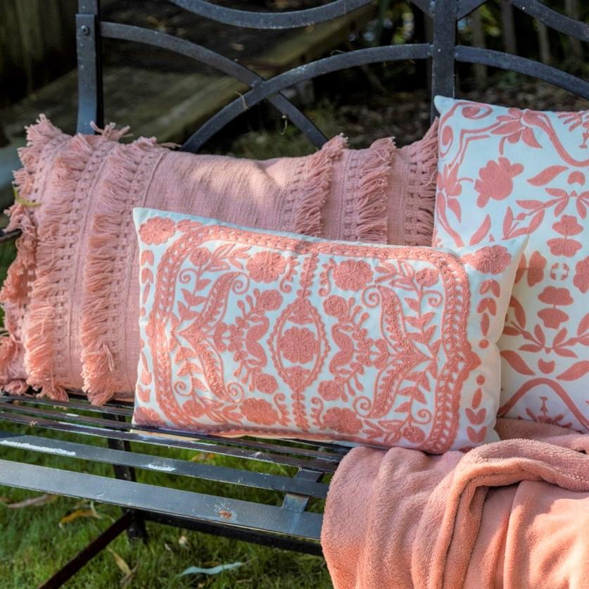 FARA - Sierkussen van katoen Dusty Pink 40x60 cm