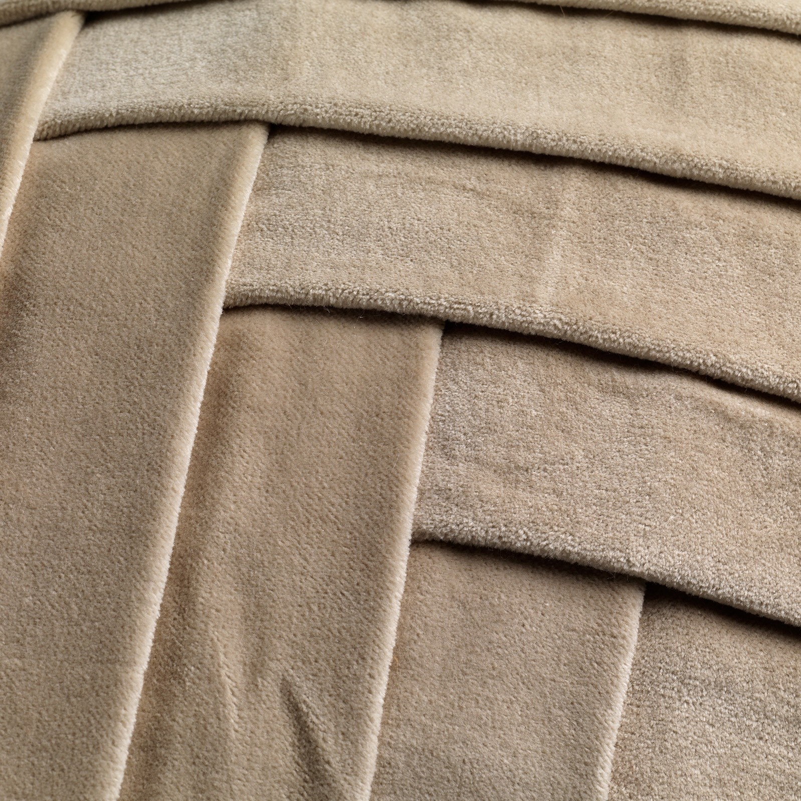 GIDI - Sierkussen velvet Pumice Stone 45x45 cm
