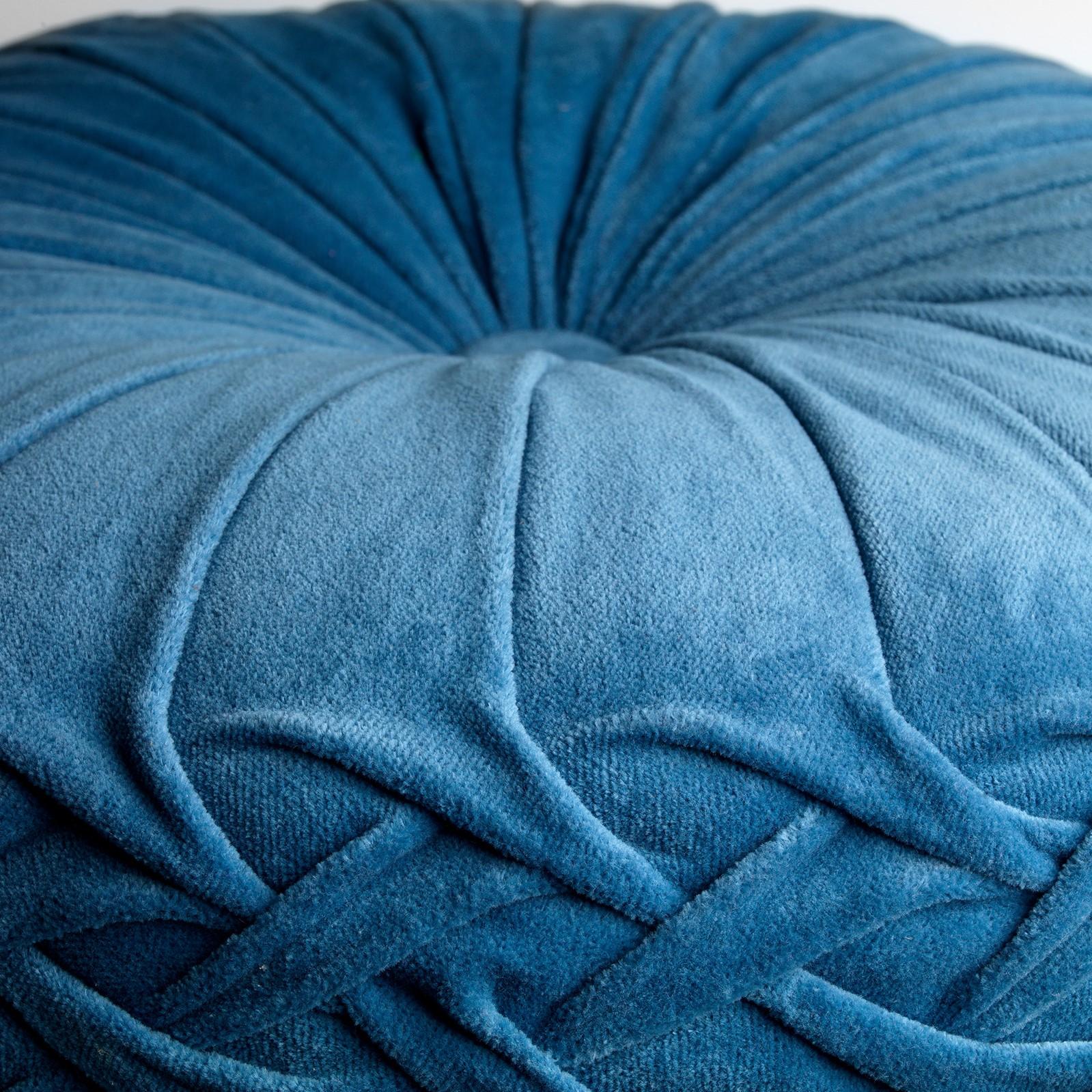KAJA - Sierkussen rond velvet Provincial Blue 40 cm